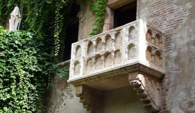 Słynny balkon Julii. Dom Capuletich w Weronie
