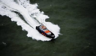 Samochodowiec Baltic Ace z 24 osobami na pokładzie zatonął w środę na Morzu Północnym