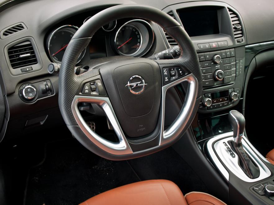4x4 i królewskie wnętrze. Opel insignia 2.0 CDTI BiTurbo Ecotec ...
