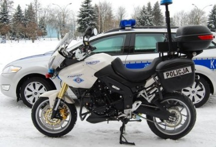 Nowa broń policji - do setki w 7,5 sekundy