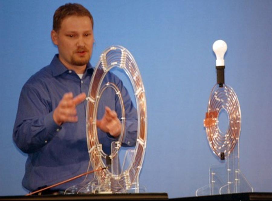 Intel przesyła energię bez kabla