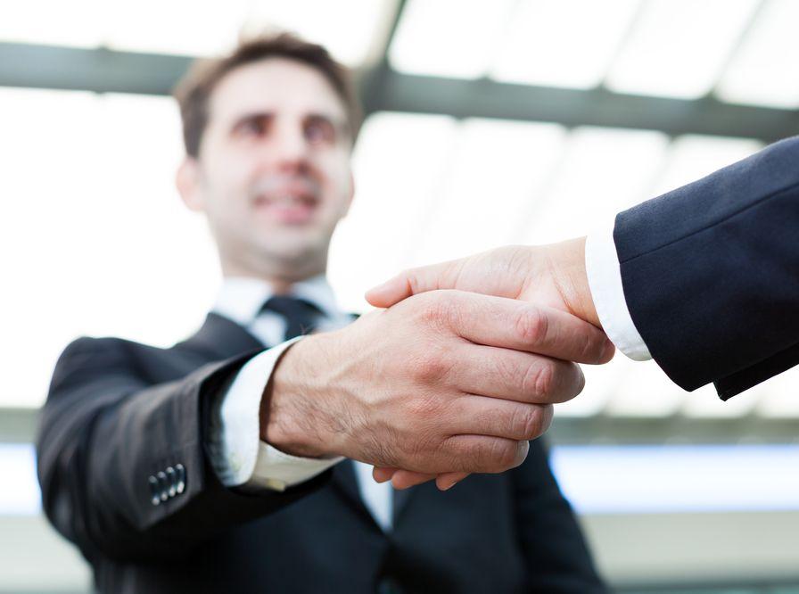 uścisk dłoni dłonie zgoda umowa
