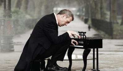 Hugh Laurie na pierwszym koncercie w Polsce