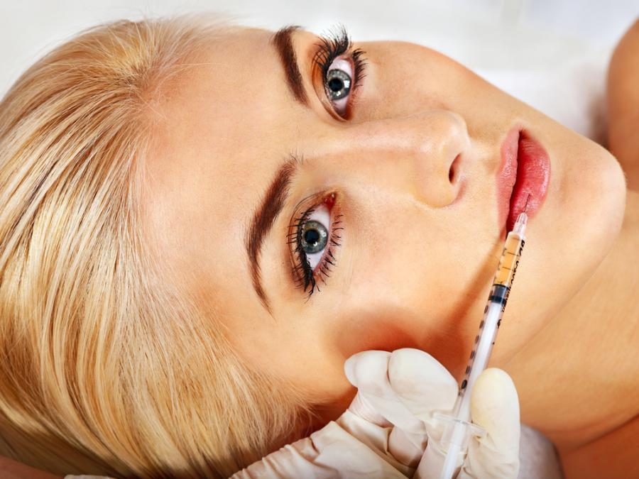 Zabieg powiększania ust botoksem