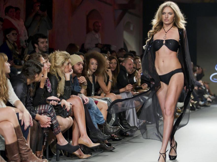 Modelka w bikini