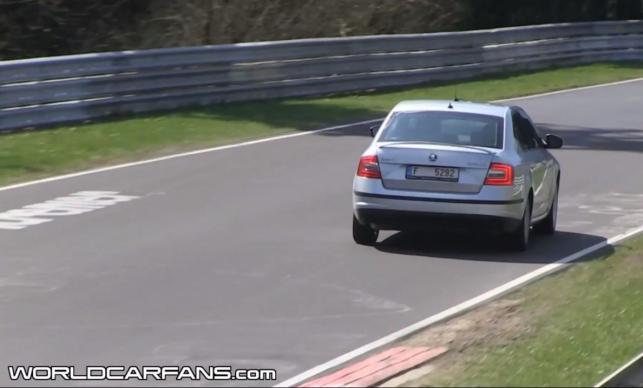 Skoda octavia RS nowej generacji przyłapana na torze Nürburgring