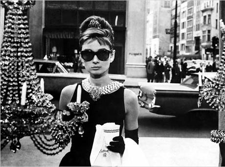 Królowa małej czarnej: Audrey Hepburn w \