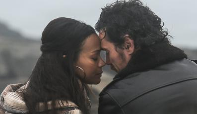 "Zoe Saldana i Billy Crudup w filmie ""Blood Ties"""