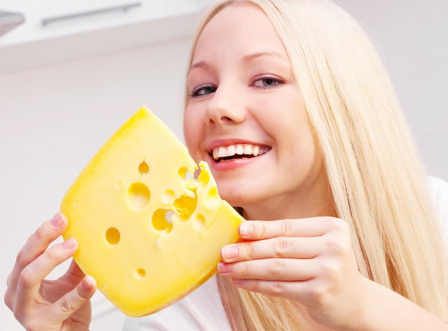 Kobieta je ser żółty