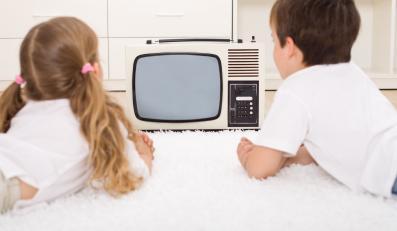 Ile czasu dziecko może spędzać przed TV?
