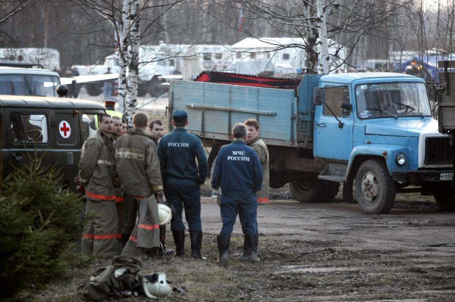 Elementy wraku Tu-154 na ciężarówce