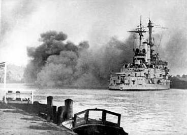 Schleswig Holstein atakuje Gdynię