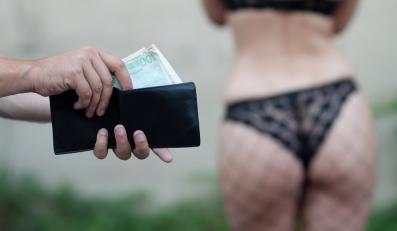 Dlaczego mężczyźni korzystają z usług prostytutek?