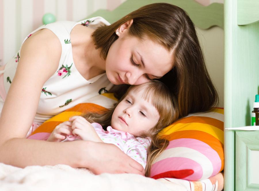 Mama i chore dziecko