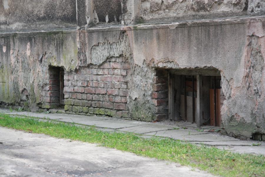 Siedziba i więzienie NKWD przy ulicy Cienistej w Warszawie, kilka domów dalej od więzienia przy ulicy Świerszcza