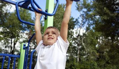 Dziecko ćwiczy