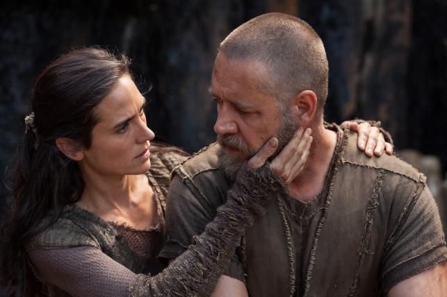 "Jennifer Connelly i Russell Crowe w filmie ""Noe: Wybrany przez Boga"""