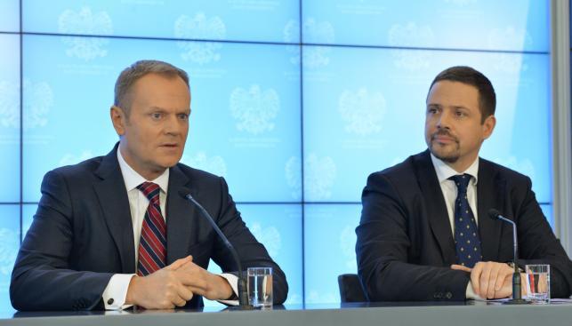 Premier Donald Tusk i minister Rafał Trzaskowski