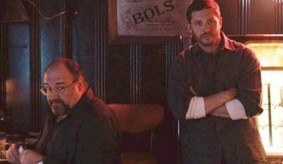 "James Gandolfini i Tom Hardy w filmie ""The Drop"""