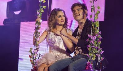 Martina Stoessel i Jorge Blanco na scenie