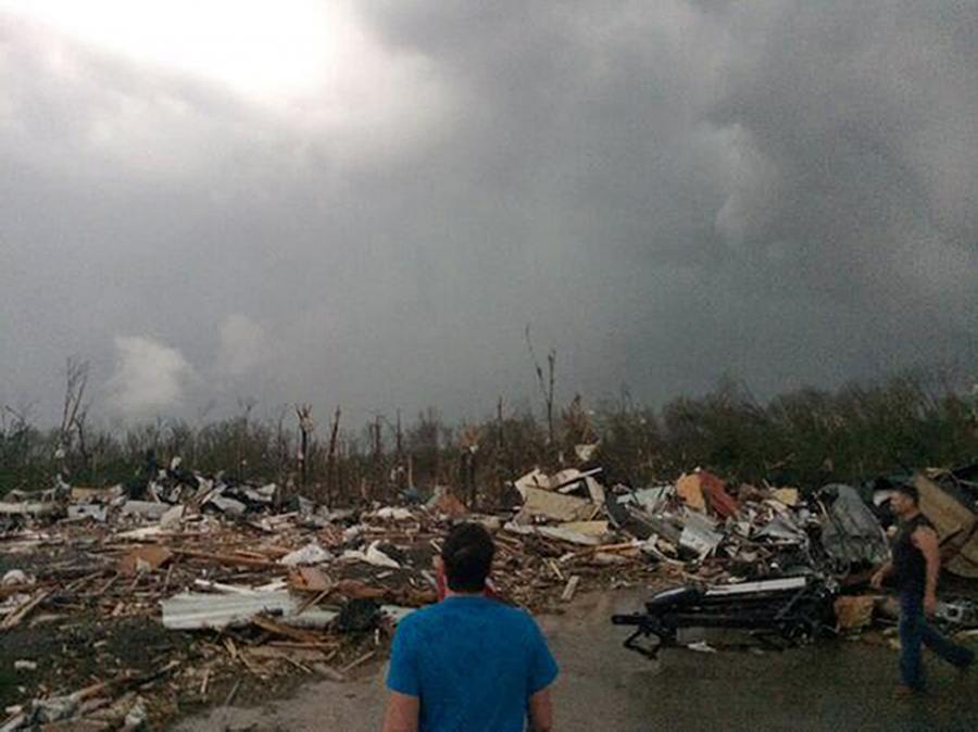 Po przejściu tornada w Arkansas