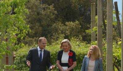Donald Tusk z żoną Małgorzatą i córka generała Andersa, Anna Maria Anders
