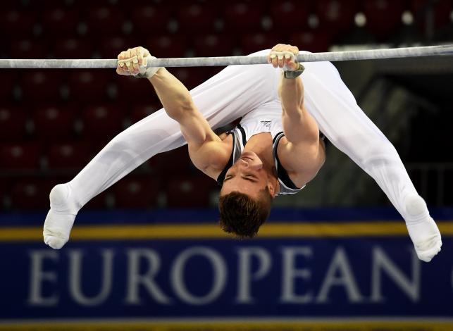 Mistrzowie akrobacji walczą o medale mistrzostw Europy