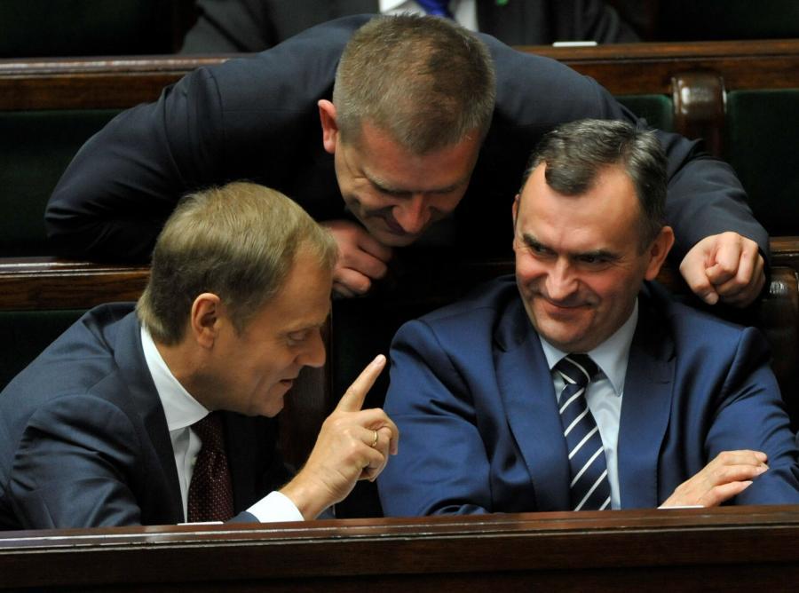 Premier Donald Tusk, minister zdrowia Bartosz Arłukowicz i minister skarbu państwa Włodzimierz Karpiński