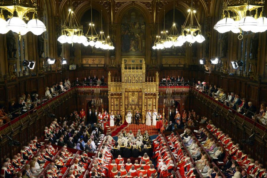 Królowa w brytyjskim parlamencie