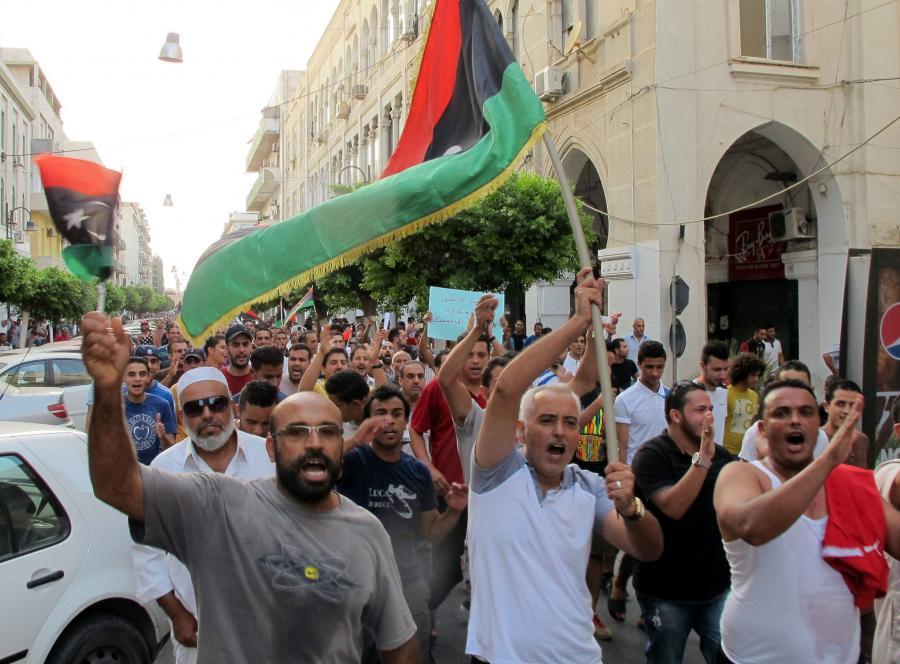 Gwałtowne demostracje w Trypolisie. Polska ambasada ewakuowana