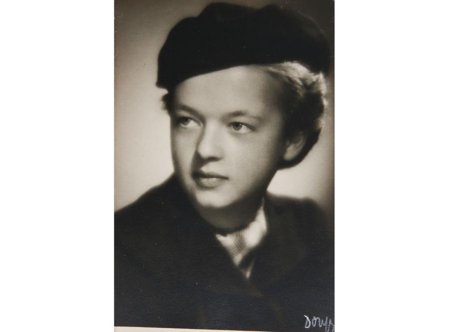 Teresa Łatyńska (zdjęcie z czasów wojny)