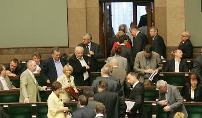 Komisja etyki łagodnie potraktowała posłów PiS