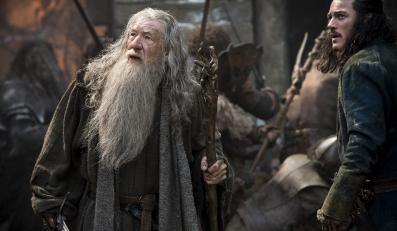 """""""Być może potrzebujemy jeszcze trochę czasu, by nabrać dystansu do arcydzieł Tolkiena, skoro zdania na temat >>Bitwy Pięciu Armii<< są podzielone"""""""