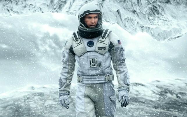 Matthew McConaughey ratuje świat