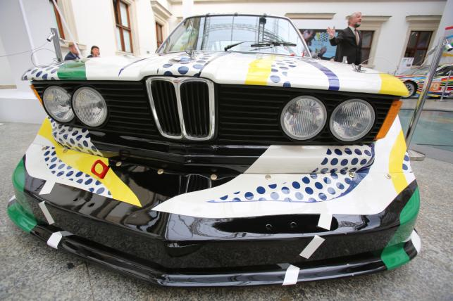 BMW 320i autorstwa Roya Lichtensteina z 1977 roku