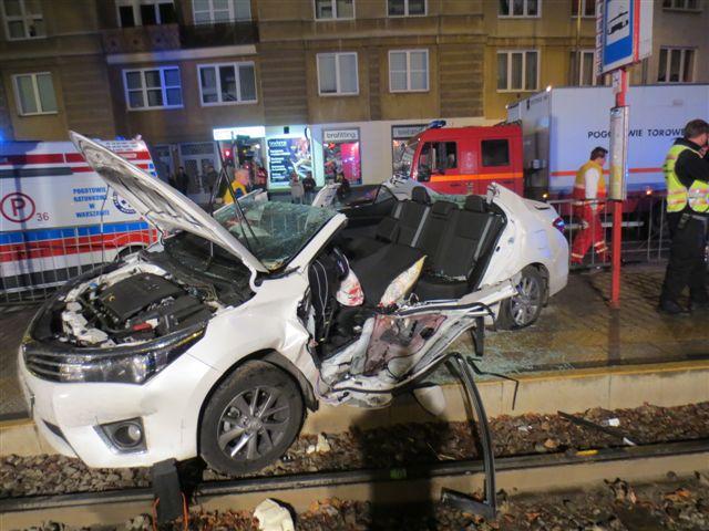 Wypadek Girzyńskiego. Oto ZDJĘCIA samochodu posła PiS