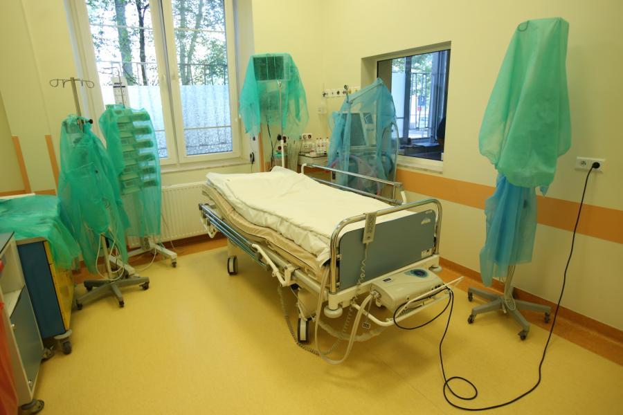 Otwracie zmodernizowanych oddziałów Pawilonu II Wojewódzkiego Szpitala Zakaźnego w Warszawie na ulicy Wolskiej