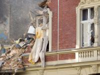 Trwa wyburzanie kamienicy po wybuchu gazu w Katowicach. ZDJĘCIA