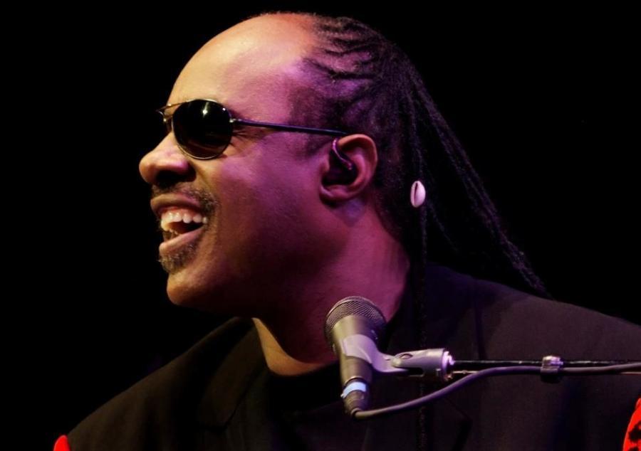Stevie Wonder ojcem trojaczków
