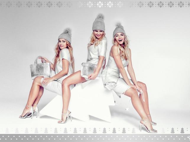 Rozalia Mancewicz z siostrami w świątecznej kampanii Sabriny Pilewicz