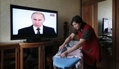 Rosjanie słuchają Putina