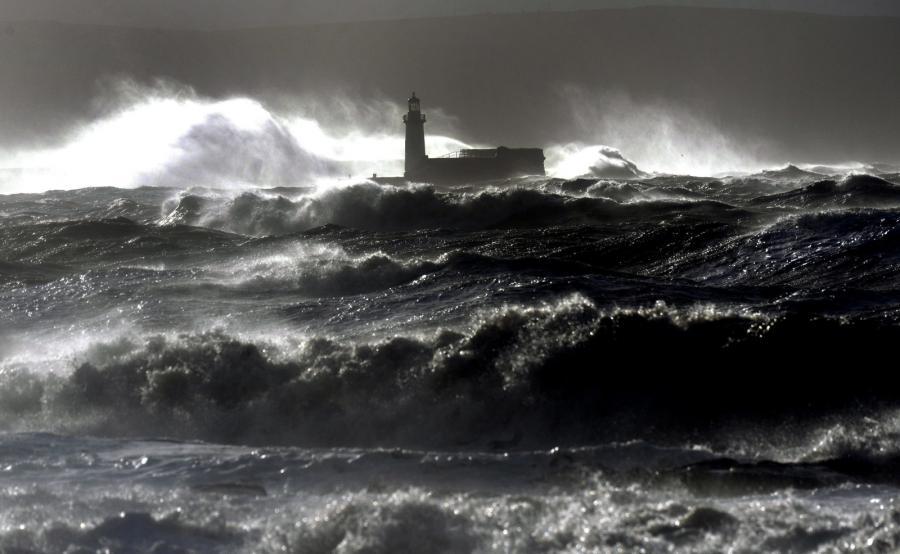 Sztorm u północnych wybrzeży Wielkiej Brytanii