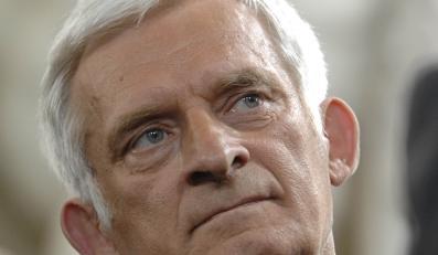 """Buzek wybuczany, """"Sto lat"""" dla prezydenta"""