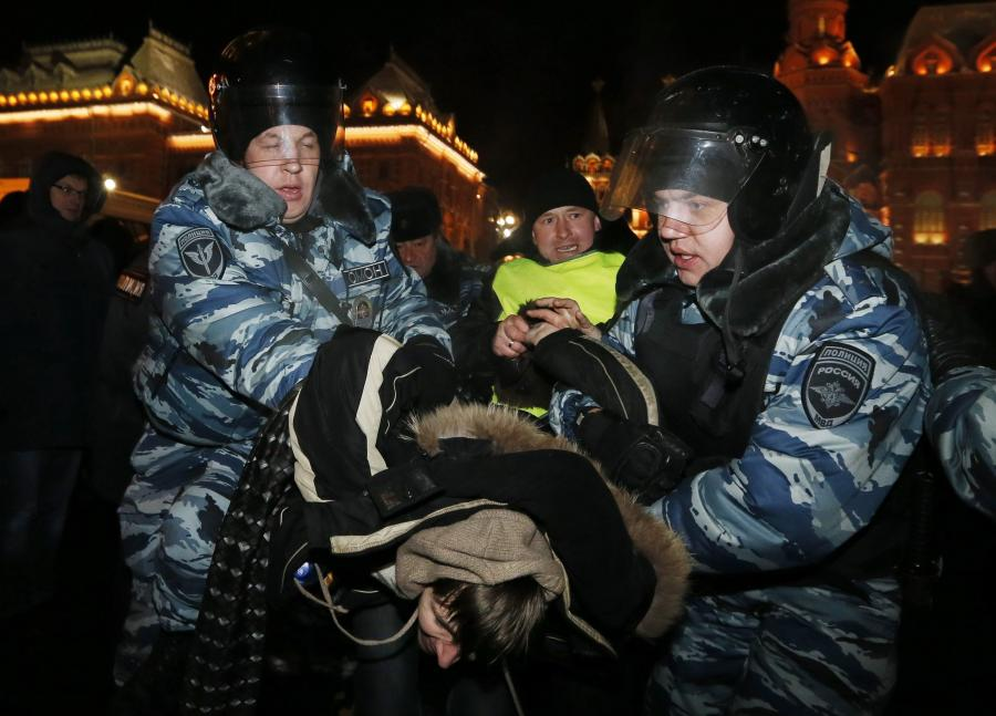 Policja rozbija demonstrację poparcia dla Aleksieja Nawalnego w Moskwie