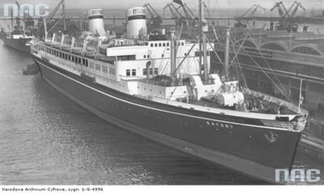 """MS """"Batory"""" - port w Gdyni, kwiecień 1939 roku"""
