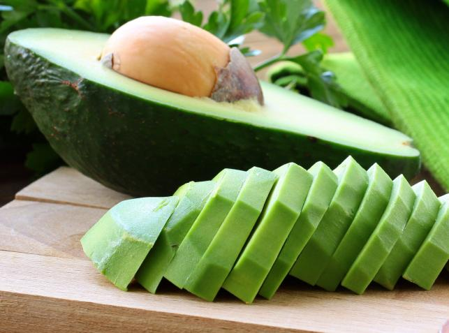 1. Awokado obniża poziom cholesterolu