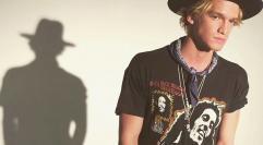 """""""Młodszy brat"""" Justina Biebera, Cody Simpson wystąpi w Polsce"""