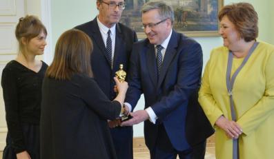 """""""Ida"""" w Belwederze. Zdobywcy Oscara spotkali się z Parą Prezydencką"""