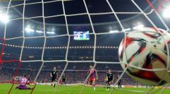 Lewandowski bez gola. Bayern w ćwierćfinale Pucharu Niemiec. WIDEO