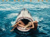 Rihanna w szczękach rekina. I to nie jest fotomontaż? [ZDJĘCIA]
